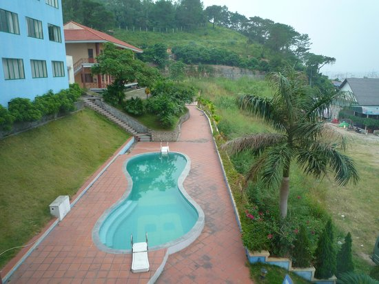 BMC Thang Long : flithy pool, disgusting