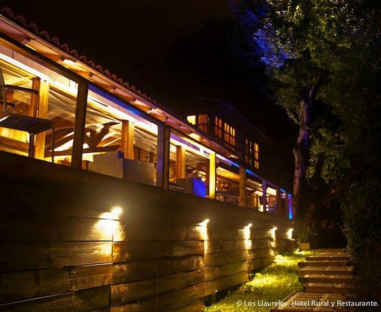 Los Llaureles: Restaurante de noche
