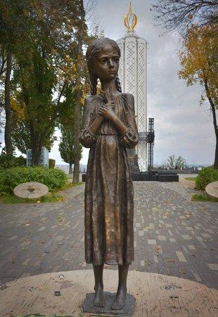 """""""Это преступление было совершено зверским сталинским режимом"""", - в парламенте Канады призвали помнить о жертвах Голодомора - Цензор.НЕТ 2194"""