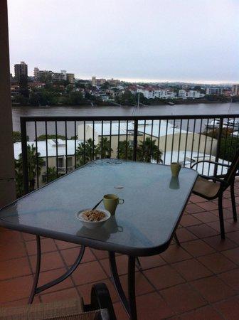 Bridgewater Apartments : Balcony setting  Rm 5051