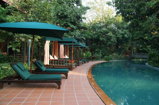 Angkor Village Resort : The longest swimming pool in the World