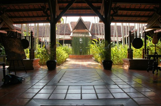 Angkor Village Resort : The vestibule of Le Jardin Restaurant