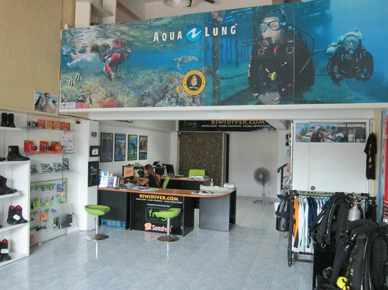 Kiwidiver Dive Centre: Kiwidiver Dive Shop in Rawai / Chalong