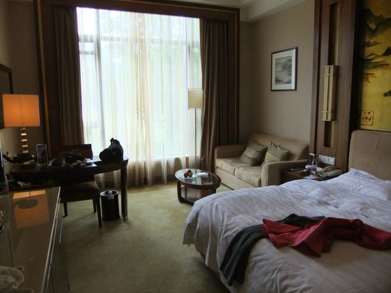 Zhejiang Xizi Hotel: Have complimentary fruit at room