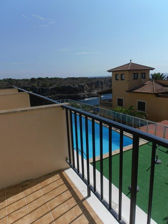 Hotel Rocamar: sea view and pool
