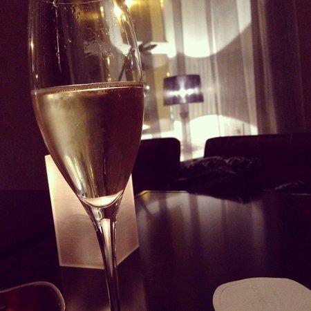 Kempinski Hotel Cathedral Square: The bar