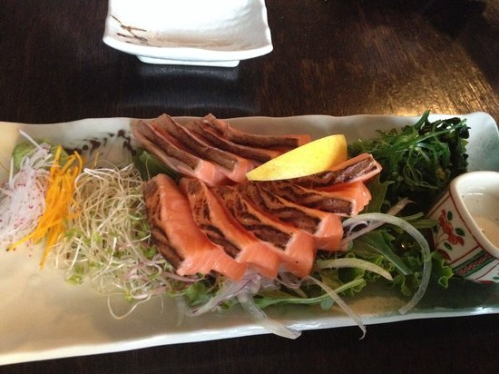 Kinji Japanese Restaurant: Salmon sashimi. One plate is never enough.