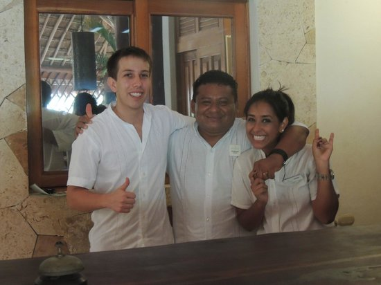Mahekal Beach Resort: part of reception-team
