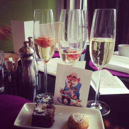 DO & CO Hotel Vienna: Завтрак на уровне - с шампанским проблем нет