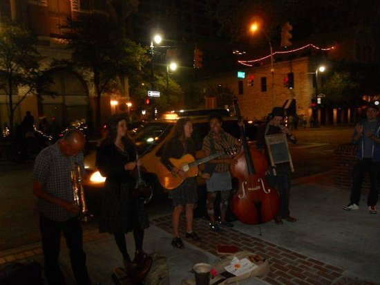 6th Street : Life street music