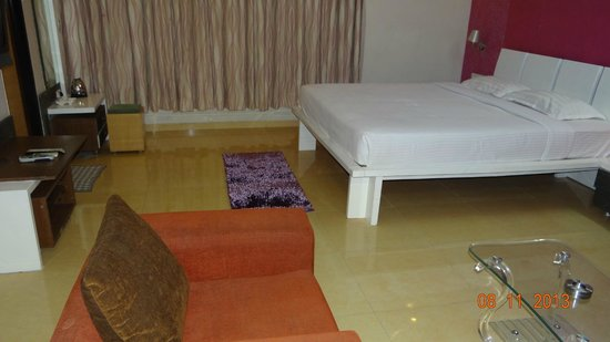 Hotel Maitreyas: Exe Deluxe room