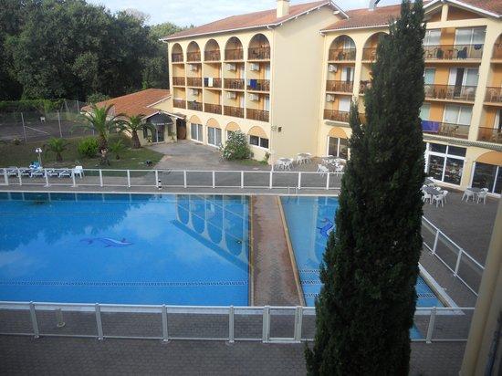 Anglet Biarritz Parme : Vue sur la piscine