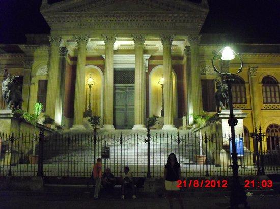Piccola Sicilia Ragolia : Espectacular teatro!