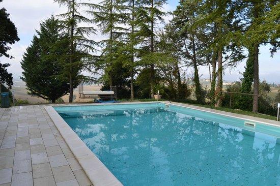 San Valentino, Italy: piscina con letto