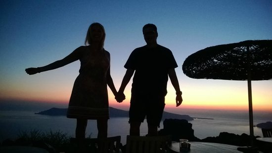 Honeymoon Petra Villas: Sunset is fun time with all the guests