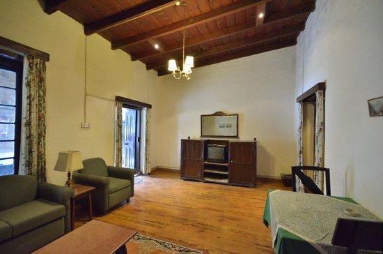 West View Ranikhet: Suit Room