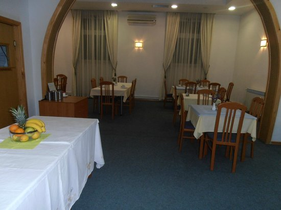 Hotel Metkovic: DINING AREA