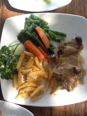 Amarta Beach Cottages: black pepper steak