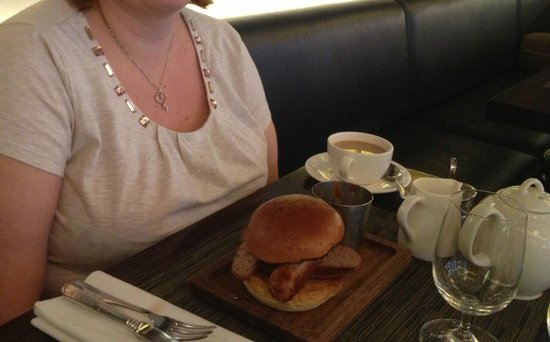 Searcys St Pancras Restaurant and Champagne Bar: Cumberland sausage butty