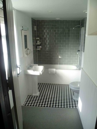 The Inn at Cranborne: Knoughton Bathroom