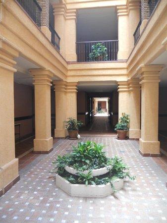 Barcelo Punta Umbria Mar: Pasillos interiores