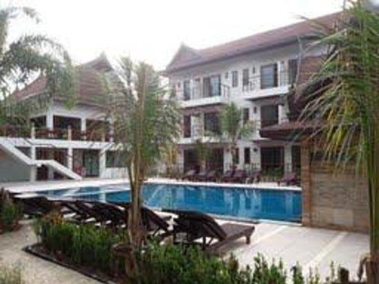 T-Villa Resort: The main pool