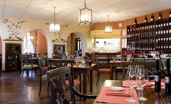 The 10 best restaurants near adventures on wonderland - Cucina restaurant london ...
