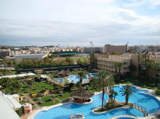 Evenia Olympic Park: piscine de l'hôtel