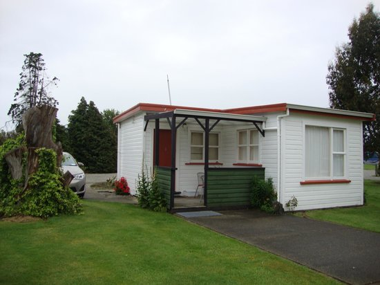 Lorneville Lodge and Holiday Park: outside