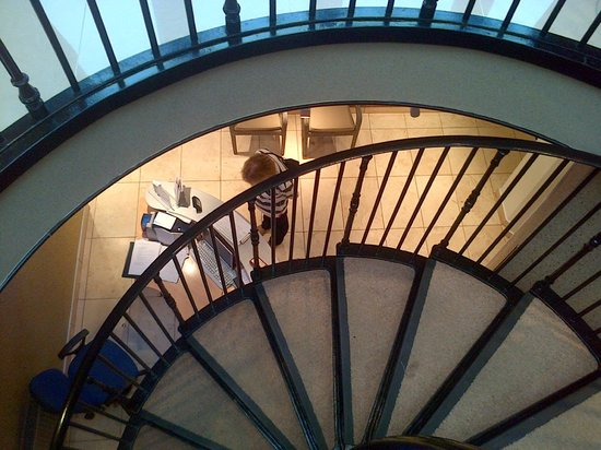Best Western Plus The Connaught Hotel: Spiral Stair Case Down To Spa