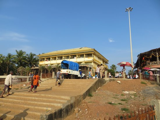 Calangute Residency: Hotel From Beach