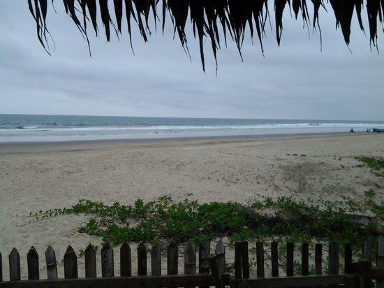 Hosteria La Gondola: salida directa a la playa