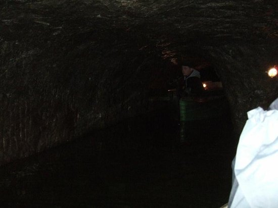 Speedwell Cavern: The boat