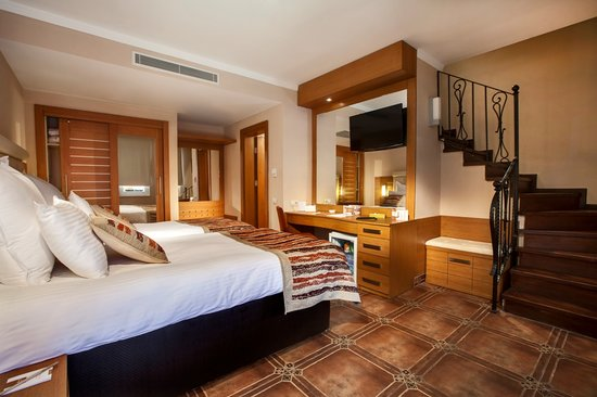 Orange County Resort Hotel Kemer: Volendam Houses