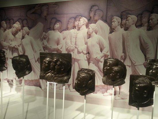 China Art Museum (Shanghai Meishu Guan): in unison