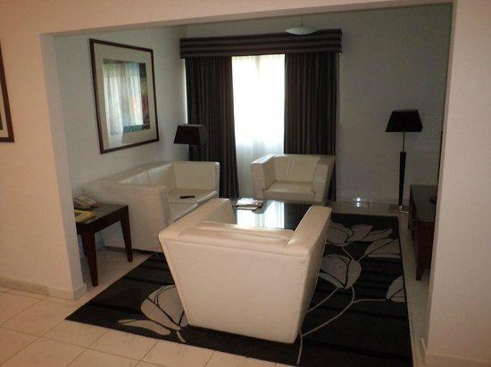 Ramada Hotel & Suites Sharjah: Номер