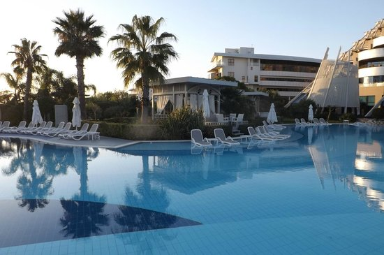 Susesi Luxury Resort : une des piscines exterieures