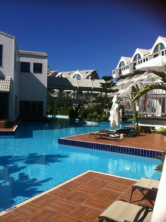 Susesi Luxury Resort : une des innombrables piscines