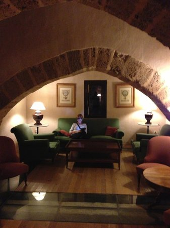 Hotel Monasterio de Piedra & Spa : The Bar