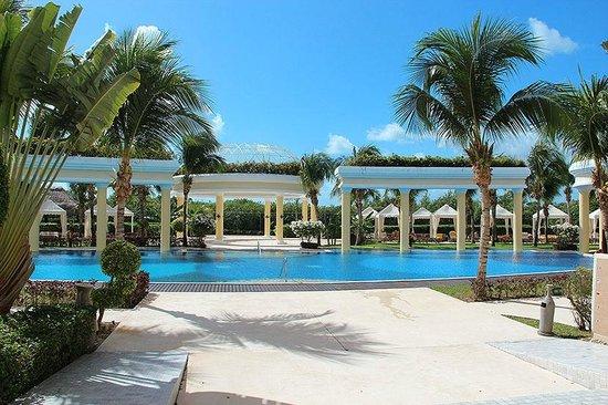Iberostar Grand Hotel Paraiso: Релакс-бассейн.