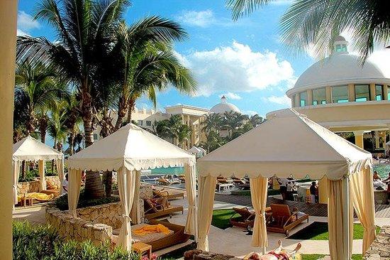 Iberostar Grand Hotel Paraiso: Главный бассейн.