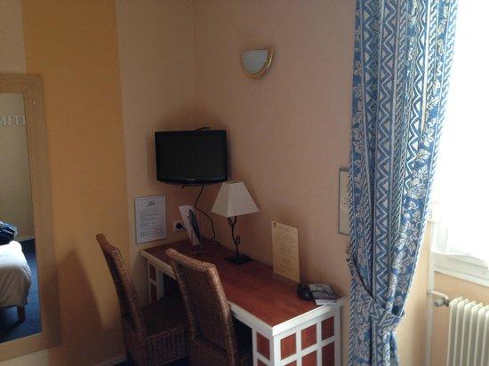 Hotel Le Monarque: Camera