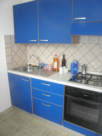 Residence Hotel La Taverna: cucina dell'appartamento
