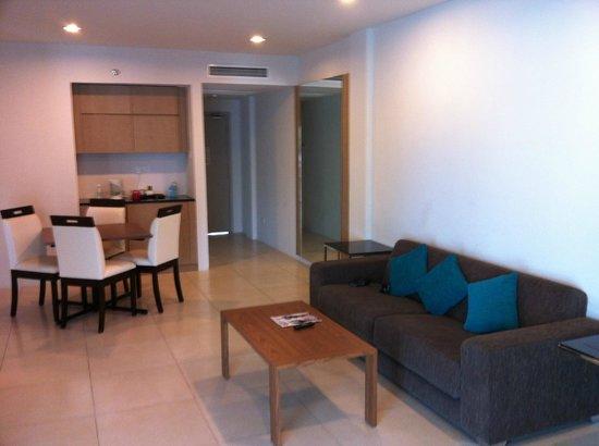Century Langkasuka Resort : Гостинная сьюта