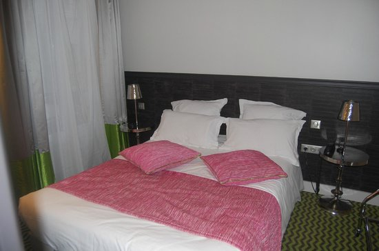 Hotel Antin Trinite : Refurbished bedroom