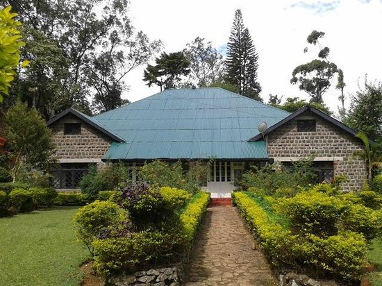 Olympus Plaza Hotel: Monamaya - an old bungalow close by