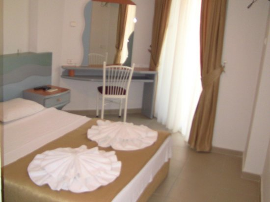 Temple Class Hotel : room