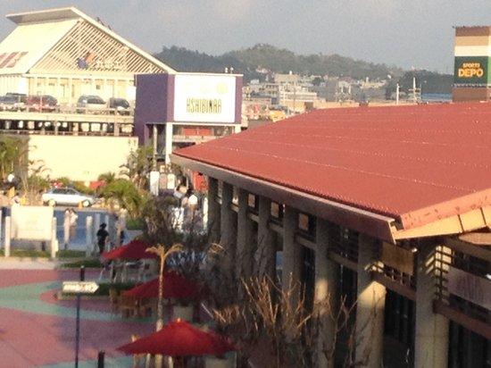 Ashibina Outlet Mall: Outlet