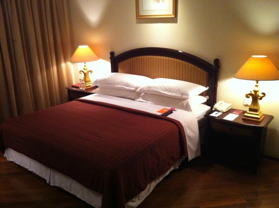 Sheraton Senggigi Beach Resort : спальня двухкомнатного сьюта