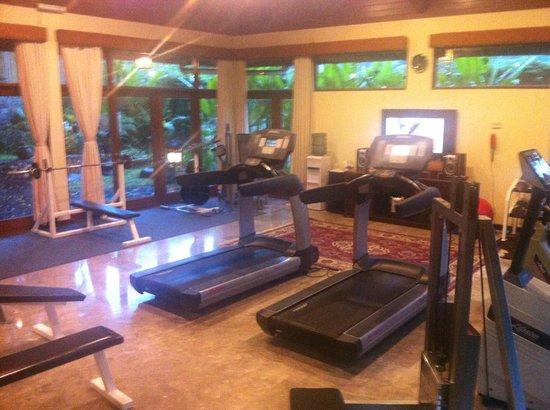 Sheraton Senggigi Beach Resort : фитнес зал